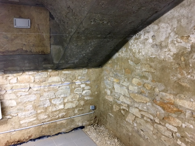 probl me humidit maison en pierre beaujolais entreprise pour traitement de l 39 humidit des. Black Bedroom Furniture Sets. Home Design Ideas