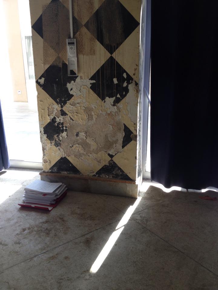odeurs moisissures maison dans l 39 ain entreprise pour traitement de l 39 humidit des murs axe. Black Bedroom Furniture Sets. Home Design Ideas